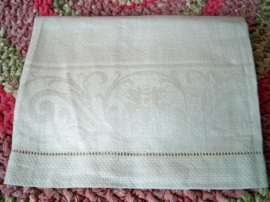 Antique Damask Linen Floral Guest Towel Circa 1920s - 1930s